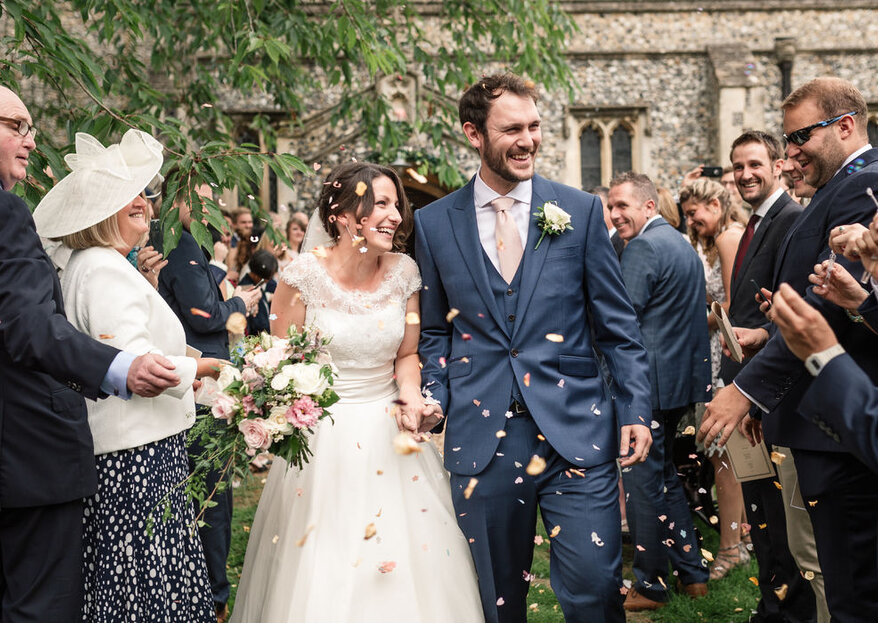 Natural, timeless & relaxed: Becky Harley Photography captures the most beautiful moments of your big day!